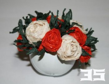 Как сделать бумажные цветы в вазоне