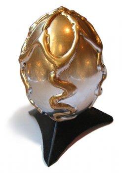 Величественное яйцо дракона