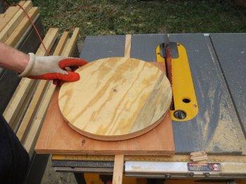 Как вырезать ровный круг циркулярной пилой
