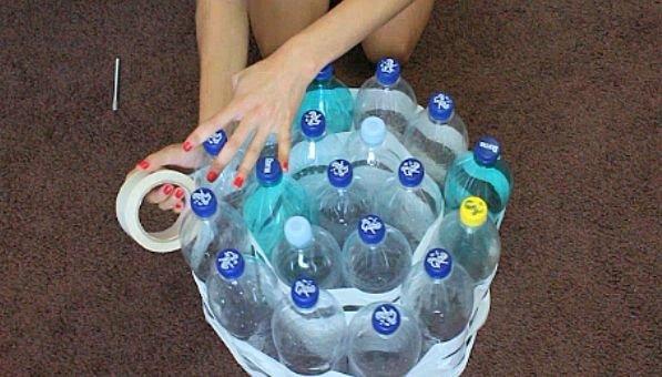 пуфик своими руками из пластиковых бутылок фото